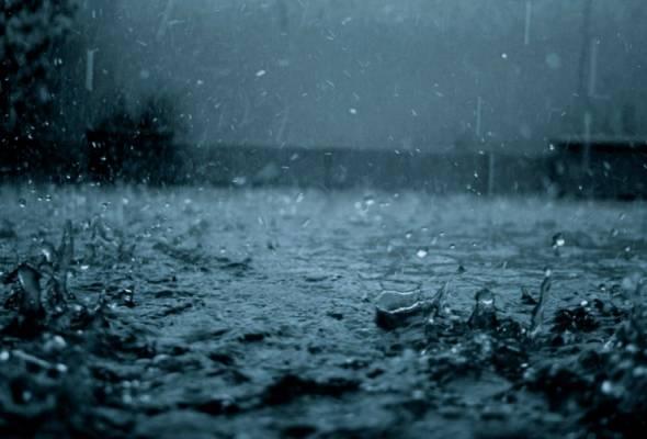 Melaka dilanda banjir, dua pusat pemindahan dibuka