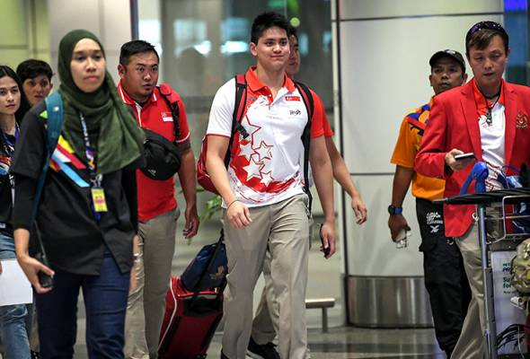 Singaporean Olympic champion Joseph Schooling has apologised over some remark he had made ahead of his Kuala Lumpur SEA Games campaign.