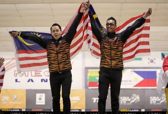 Malaysia captured the gold and silver medals in the men's doubles bowling competition at the 2017 Kuala Lumpur SEA Games.
