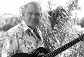 Country's 'Rhinestone Cowboy' Glen Campbell dies after Alzheimer's battle