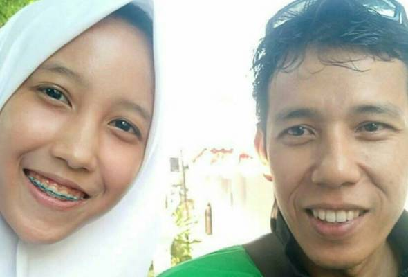 Salma Zuhara, 17 had a surprise when the Grab driver who accepted her ride request turned out to be her father whom she has not seen in 10 y
