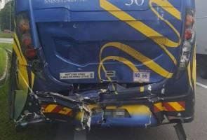 Bas membawa peserta skuasy Sukan SEA terlibat dalam kemalangan