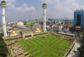 Agama dan kota: Politik identiti di Indonesia