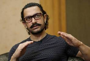 Delhi diary: Turkish ice-cream man shows Aamir Khan who is the bigger entertainer