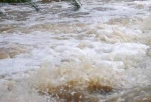 Kanak-kanak maut, tiga lagi hilang di air terjun