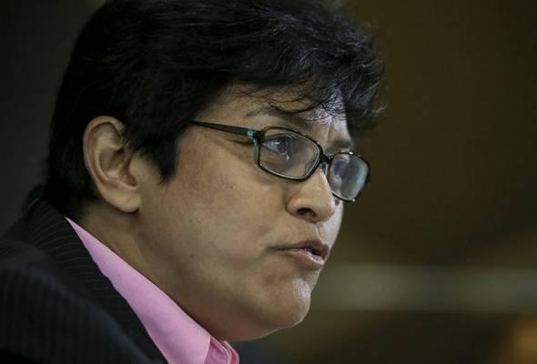 Menteri di Jabatan Perdana Menteri, Dato Seri Azalina Othman Said bincang meja bulat antara bank-bank komersial, Bank Negara Malaysia, AKPK.