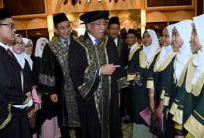 Debit card system for schoolchildren to be expanded