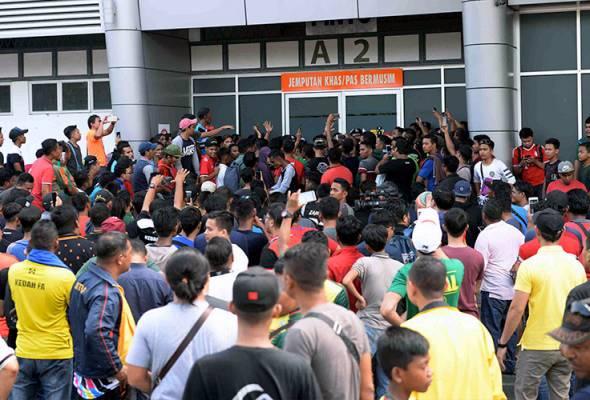 Penyokong Lang Merah gesa KFA buat rombakan