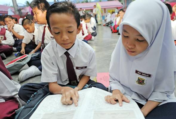 Kerajaan akan melaksanakan semakan terhadap kurikulum sekolah rendah dan menengah bagi setiap lima tahun, kata Timbalan Menteri Pendidikan.