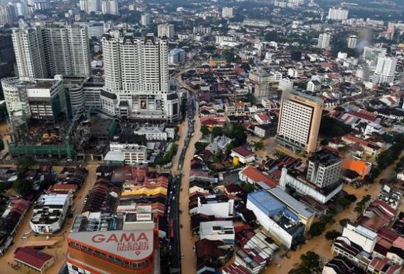 P.Pinang lumpuh dilanda banjir selepas hujan 15 jam