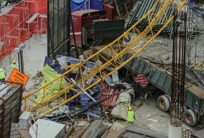 Kren tumbang Kampung Baru: Ada 'Pak Haji' dalam kereta tu!