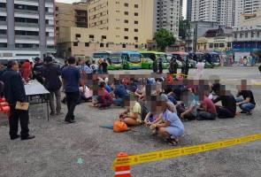 Imigresen gempur Bukit Bintang, 450 PATI ditahan