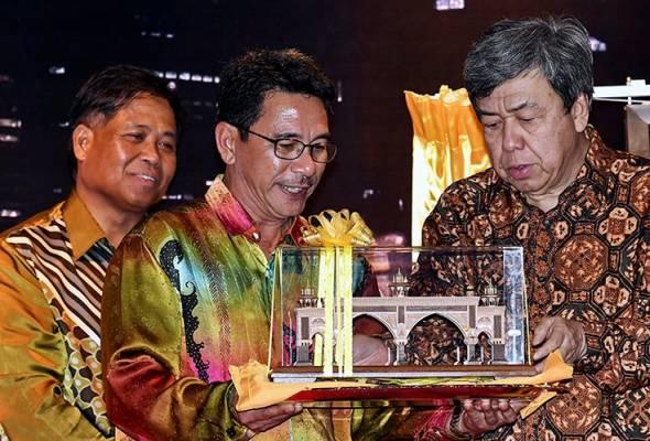 Sultan Selangor rasmi pintu gerbang Kota Darul Ehsan