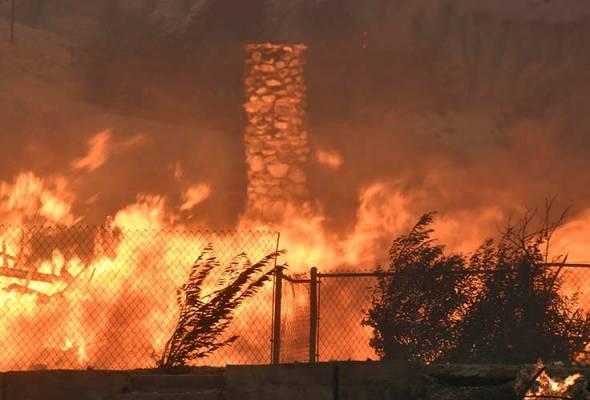 Kebakaran di Los Angeles semakin parah