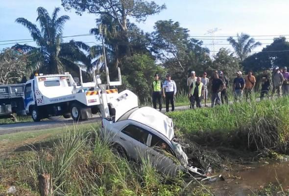 Kemalangan di Kg Teluk, Jalan Bota Kanan-Teluk Intan, Perak itu turut mengorbankan isteri serta adik mangsa.