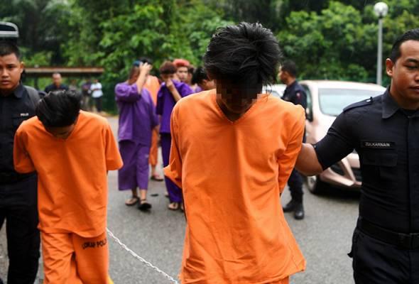 Dua remaja didakwa membunuh budak perempuan 14 tahun