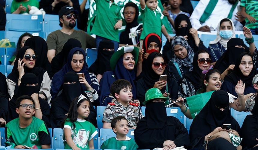 Arab Saudi benarkan wanita tonton perlawanan bola sepak