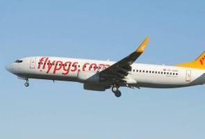 Pesawat terbabas ketika mendarat, kesemua 162 penumbang dan kru selamat