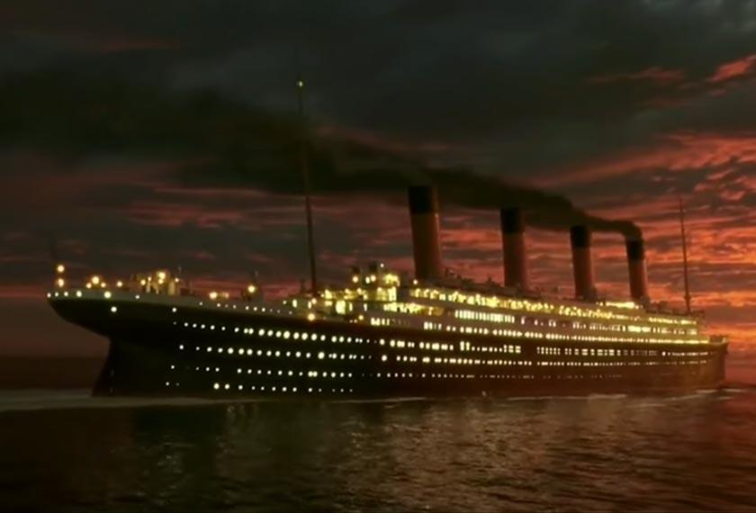 Bahagian depan kapal dipasang dengan satu mekanisme yang membolehkannya tenggelam 30 kaki sementara bahagian dek dapat dinaikkan sehingga 90 darjah, yang merupakan babak penting ketika Titanic tenggelam.