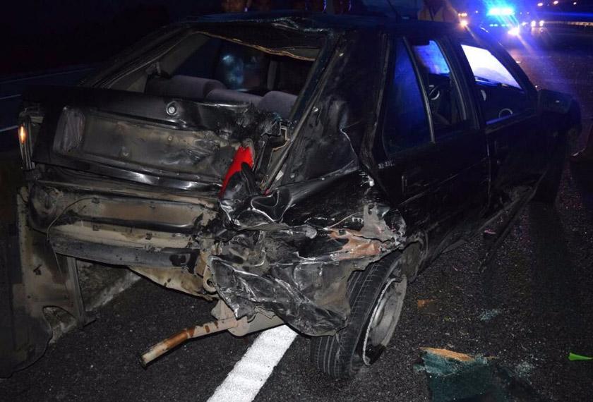 Keadaan kereta Proton Iswara yang dilanggar motosikal selepas kejadian nahas pagi tadi. - Foto Astro AWANI