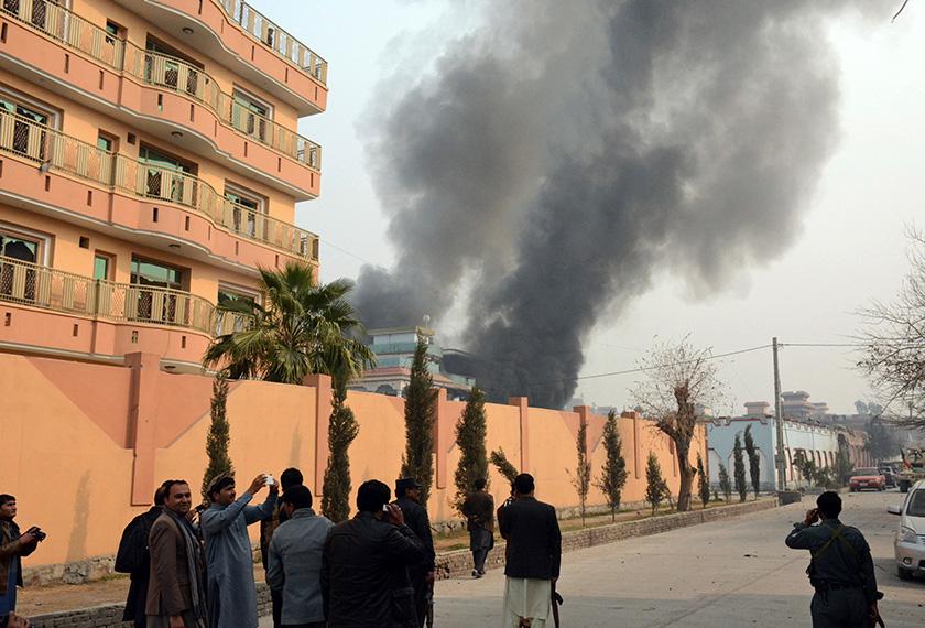 Pejabat Save the Chikdren di Jalalabad diserang militan Daish, menyaksikan lima terbunuh. Foto: AP