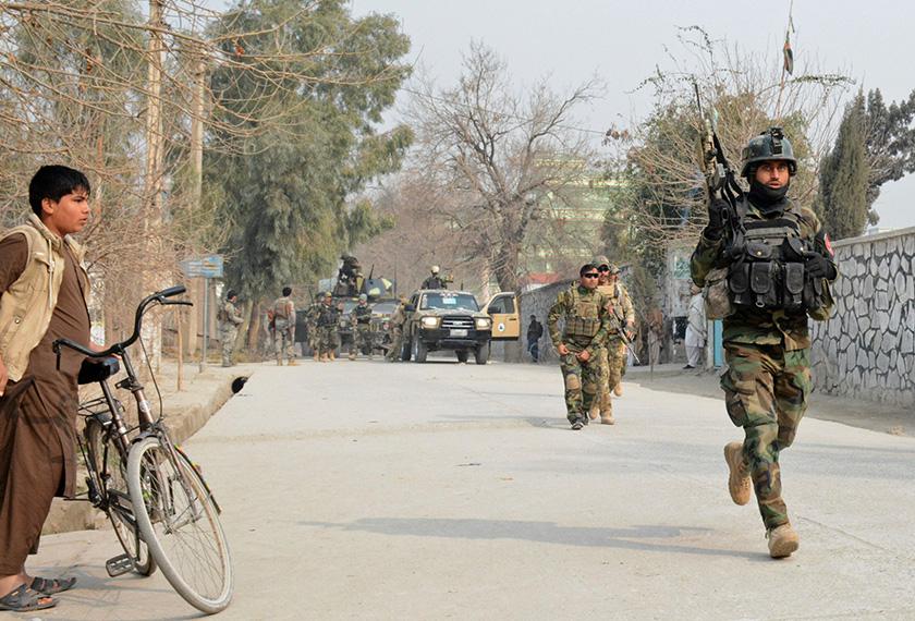 Serangan juga mencederakan 25 yang lain, dan turut memaksa pejabat NGO itu digantung operasinya. Foto: AP