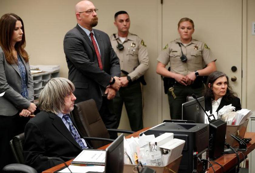 David dan  Louise Turpin hadir di Mahkamah Riverside County untuk perbicaraan - Foto: Reuters