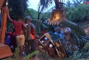 Lima jam menanggung kesakitan terperangkap di dalam lori terjunam ke gaung