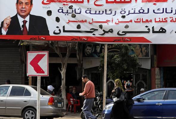 Pemerintahan Sisi membawa kestabilan, tetapi pengkritik mengatakan popularitinya telah terhakis akibat pembaharuan ekonomi yang dibawanya.