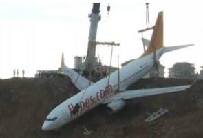 Pesawat Pegasus Airlines tergelincir berjaya dialihkan