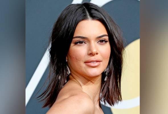 Kisah Kendall Jenner dan jerawat di Golden Globe bikin netizen bising