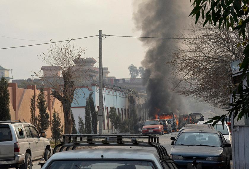 Serangan turut menyaksikan pertempuran antara polis dan militan Daish berlangsung selama 10 jam. Foto: AP