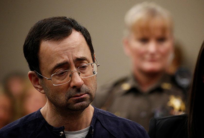 Larry Nasar, 54, bekas doktor dihukum penjara 175 tahun atas kesalahan mencabul atlet gimnastik USA. - Foto: AP