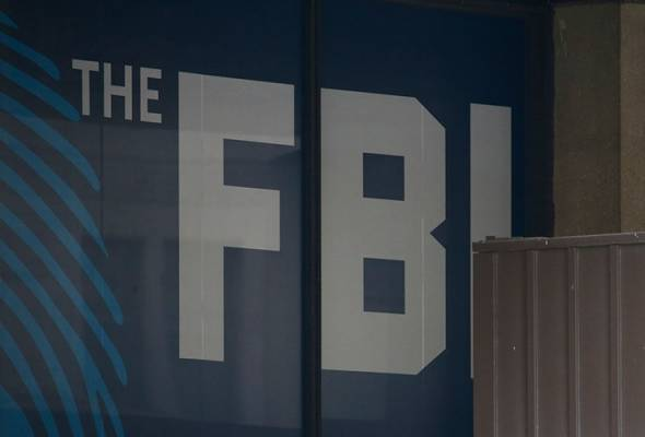 Trump says FBI missed signs on Florida shooting due to Russia probe, draws criticism