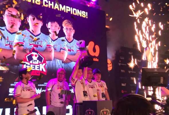 Kejuaraan Geek Fam itu turut menyaksikan mereka membawa hadiah wang tunai sebanyak RM150,000.