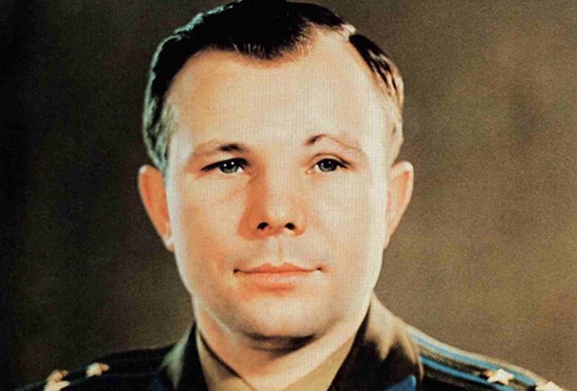 Yuri Gagarin, manusia pertama di angkasa.