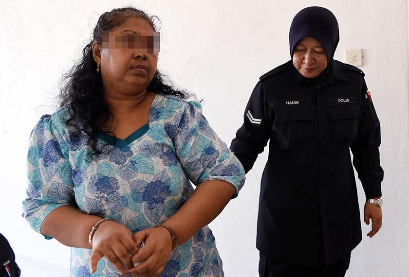 Suspek yang berusia 60 tahun dibawa ke Mahkamah Majistret Bukit Mertajam hari ini untuk mendapat perintah tahanan reman. - BERNAMA