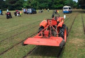 Pemandu traktor bebas dengan jaminan polis