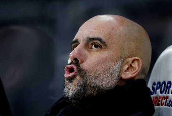 Pengendali 47 tahun itu cuba meredakan ketegangan dalam bilik persalinan Manchester City menjelang aksi akhir Piala Carabao bertemu Arsenal.
