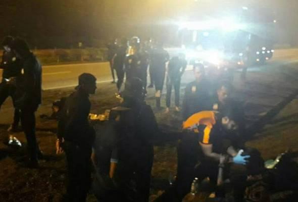 Kemalangan berlaku di hadapan bas skuad MU ketika dalam perjalanan pulang dari pertemuan dengan JDT di Larkin.