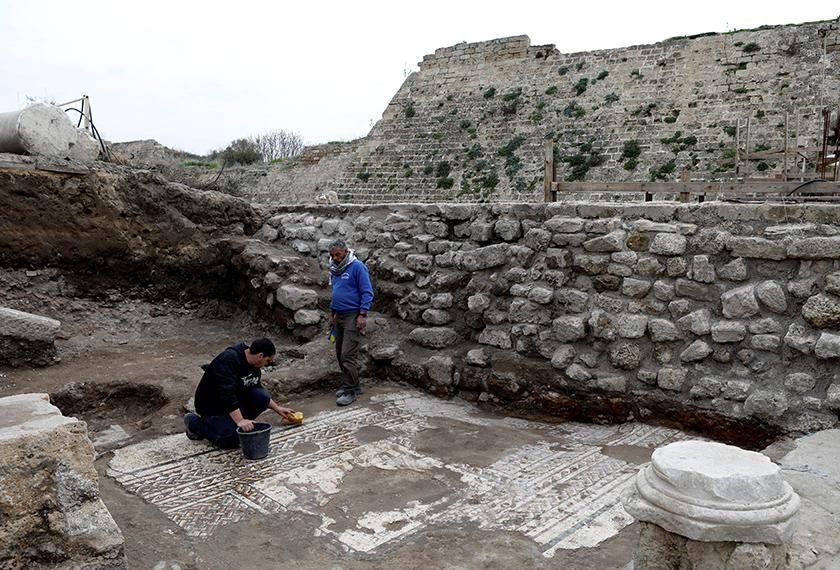 Mozek  berumur 1,800 tahun ditemui ahli arkeologi. - Foto Reuters