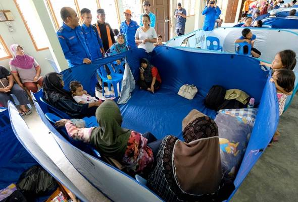 Menurut JPBN Sarawak jumlah berkenaan merangkumi 260 buah keluarga di tiga pusat pemindahan sementara di bahagian Sibu, Mukah dan Bintulu.