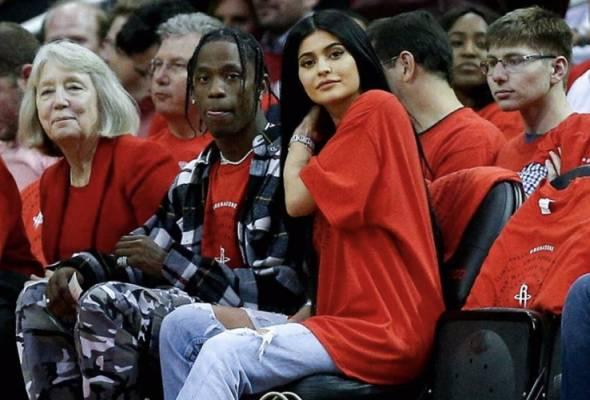 Kylie Jenner dedah nama anak