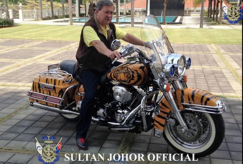 Baginda sebelum ini mengendalikan program Kembara Sultan Johor yang membuktikan minatnya dengan motorsikal berkuasa tinggi