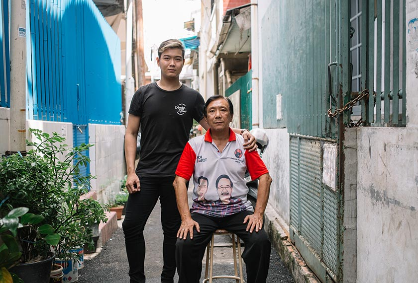 Arifin and his father, Ah Kim, in an alleyway outside their house. - Foto  Ceritalah/  Muhammad Fadli