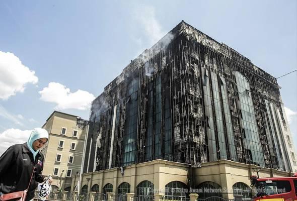'Cladding' yang mudah terbakar itu juga menyebabkan kebakaran merebak cepat sehingga ke tingkat paling atas bangunan berkenaan di tingkat 6.