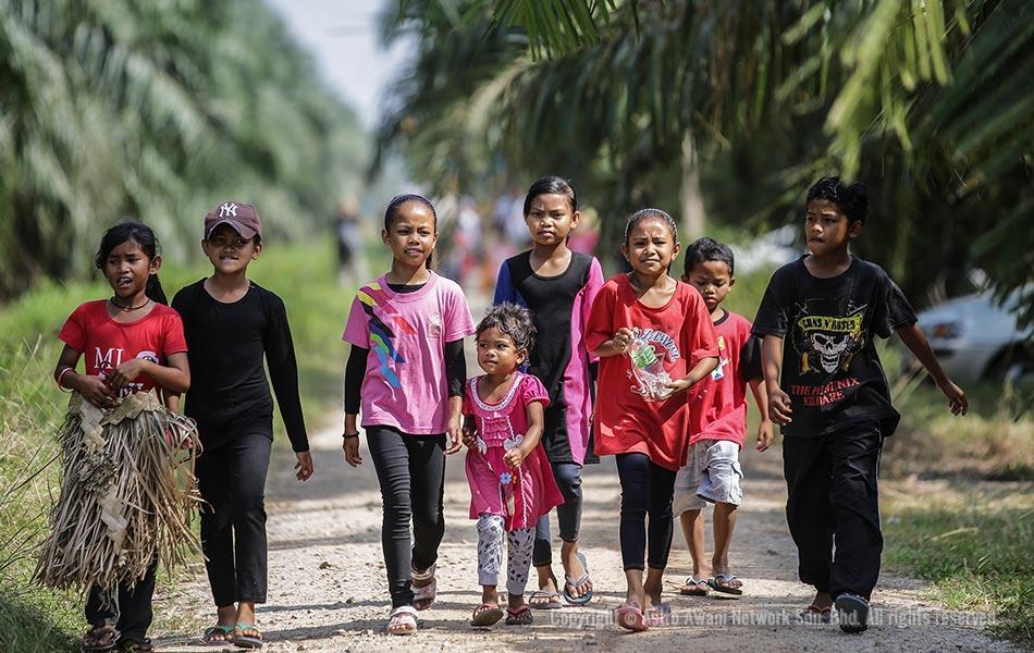 The next generation Malaysian indigenous Mah Meri