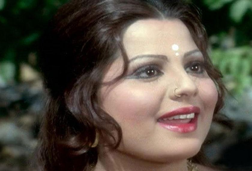 Perasaan cinta Sulaksha dengan pelakon Sanjeev Kumar bukan rahsia. - Foto: criticsunion.com