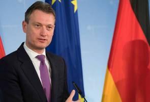 Menteri Luar Belanda letak jawatan sehari selepas mengaku menipu