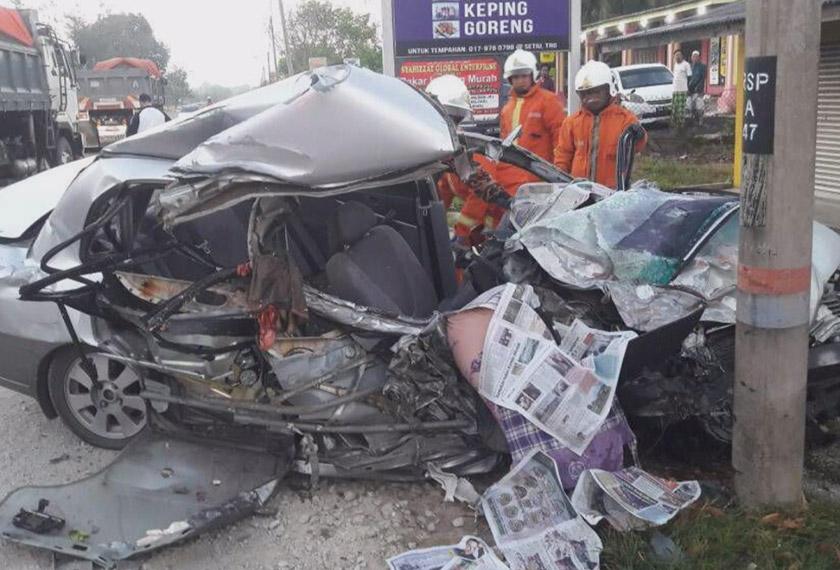 Terdapat mangsa yang tersepit akibat kemalangan itu. - Foto Astro AWANI
